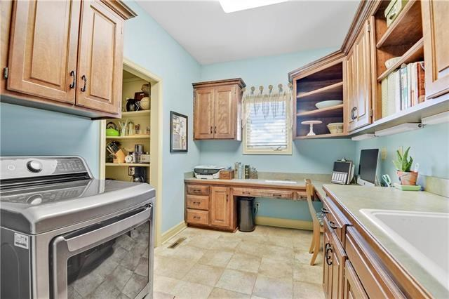 20615 W 88th Terrace, Lenexa, KS 66220