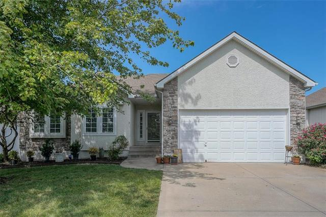 4824 SW Soldier Drive, Lee's Summit, MO 64082