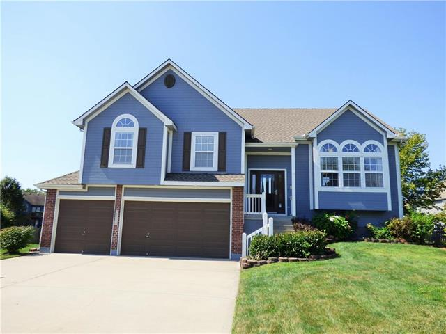 2504 SW Rustic Court, Lee's Summit, MO 64082