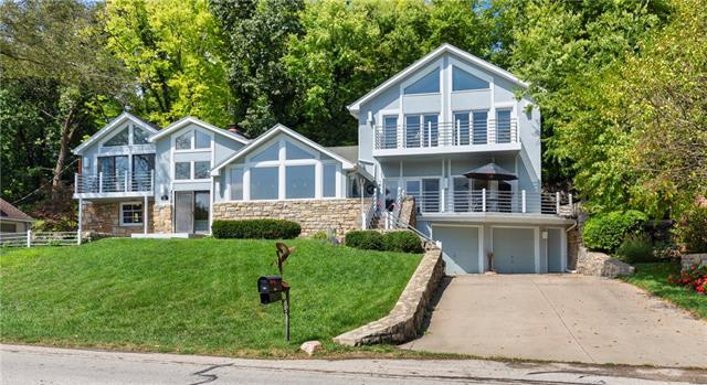 460 W Lakeshore Drive, Lake Quivira, KS 66217