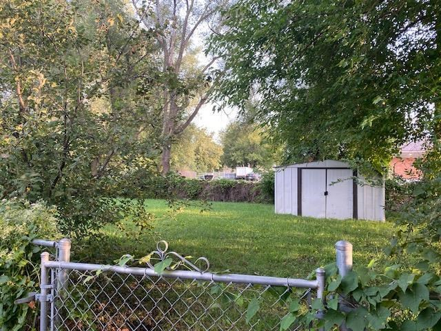 622 NW LAKEVIEW Road, Blue Springs, MO 64014