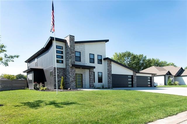 401 NW Rust Court, Grain Valley, MO 64029
