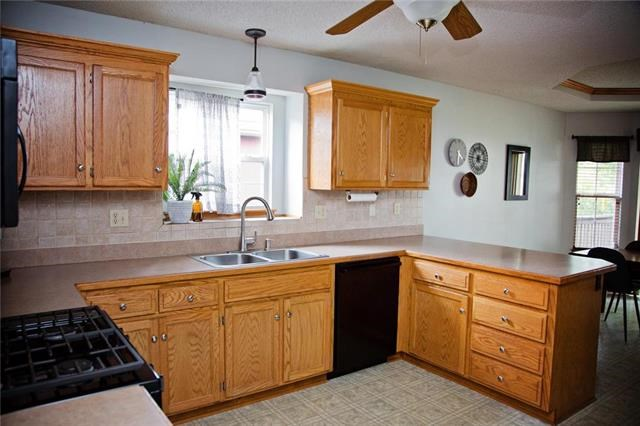 1213 S Ann Avenue, Independence, MO 64057