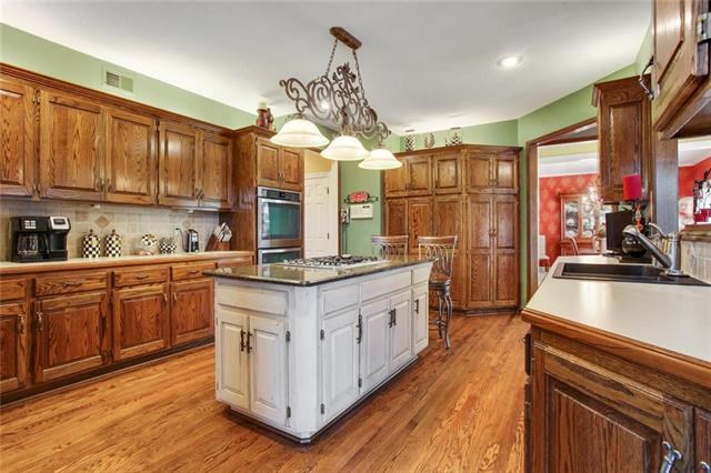 3400 S Dominion Drive, Independence, MO 64055