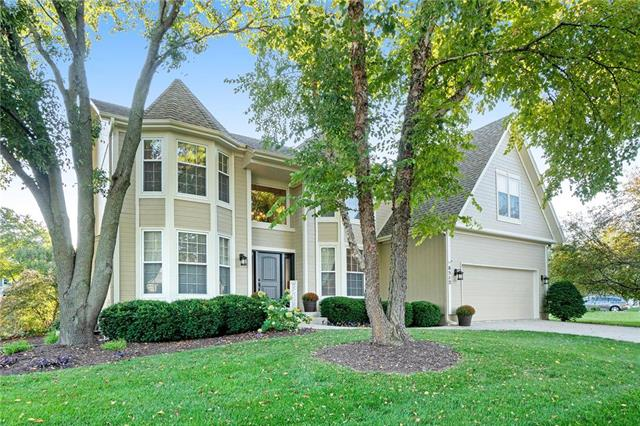 8512 W 145th Terrace, Overland Park, KS 66223