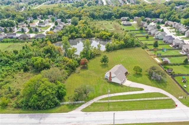 32105 E Duncan Road, Grain Valley, MO 64029