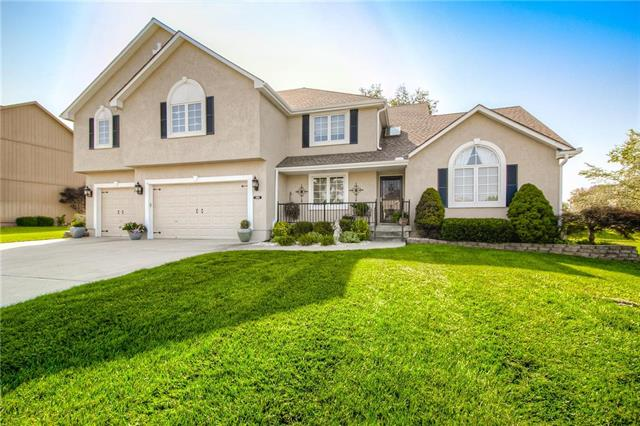 2605 SW Winterview Circle, Lee's Summit, MO 64081
