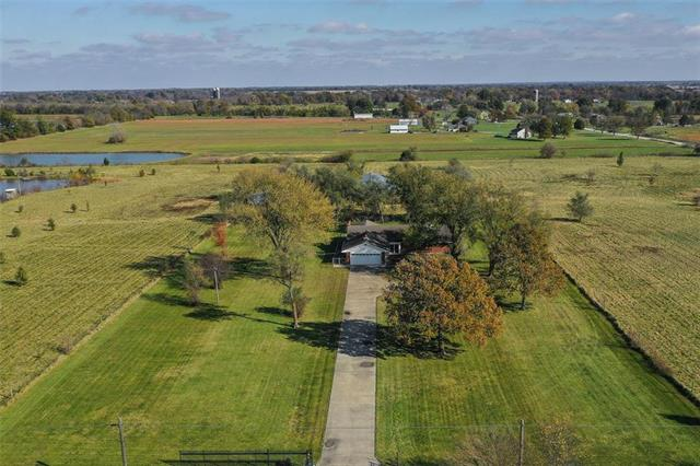 29005 S East Outer Road, Harrisonville, MO 64701