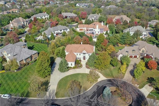 4608 W 146th Street, Leawood, KS 66224