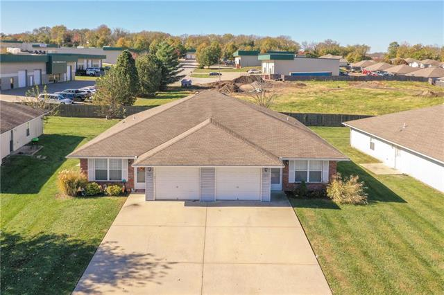 305 NW Woodbury Drive, Grain Valley, MO 64029
