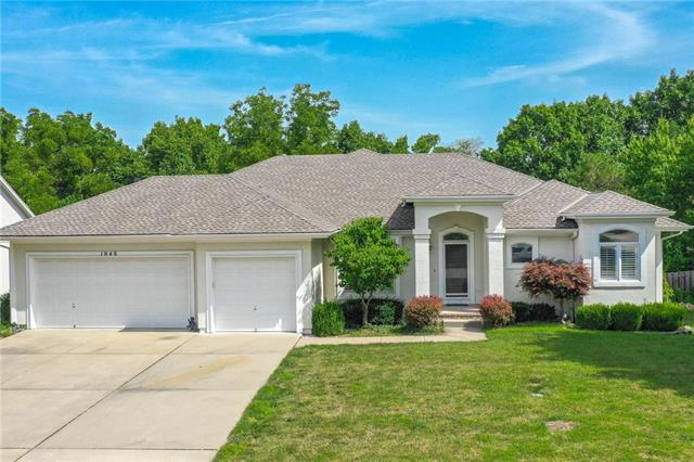 1040 NW High Point Drive , Lee's Summit, MO 64081