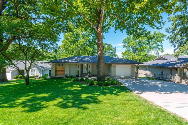 8002 NW Pleasant Ford Road , Weatherby Lake, MO 64152
