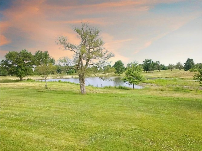 1514 Country Club Drive, Pleasant Hill, MO 64080