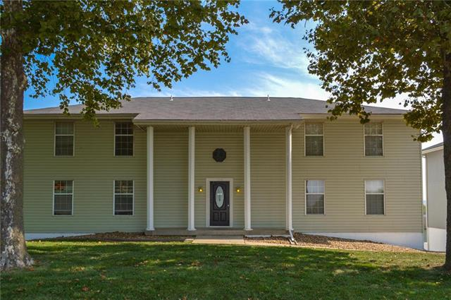 201 NW Barr Road , Grain Valley, MO 64029