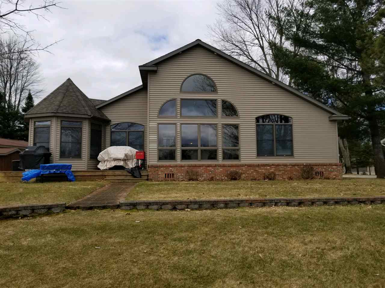 2054 Lake James Dr., Prudenville, MI 48651
