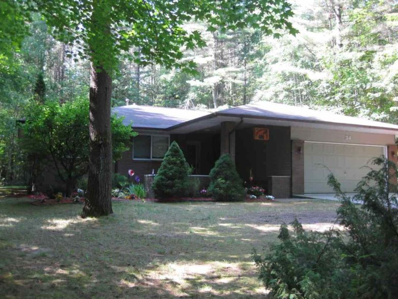 114 Lodge Dr, Roscommon, MI 48653