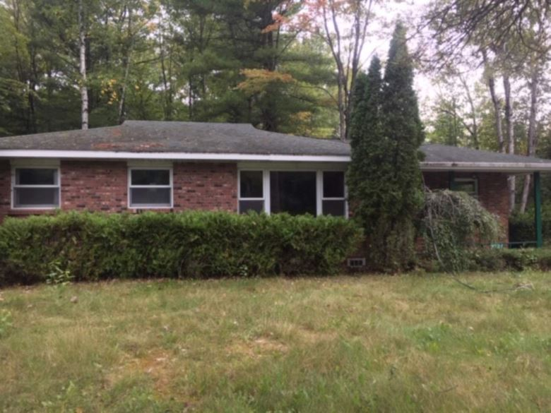 9787 W Higgins Lake Dr, Roscommon, MI 48653