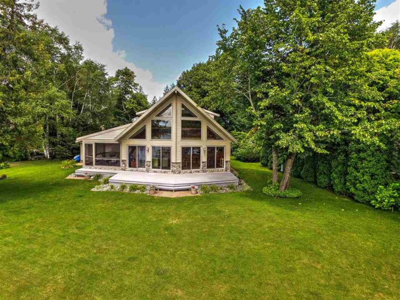 123 Treasure Island, Roscommon, MI 48653