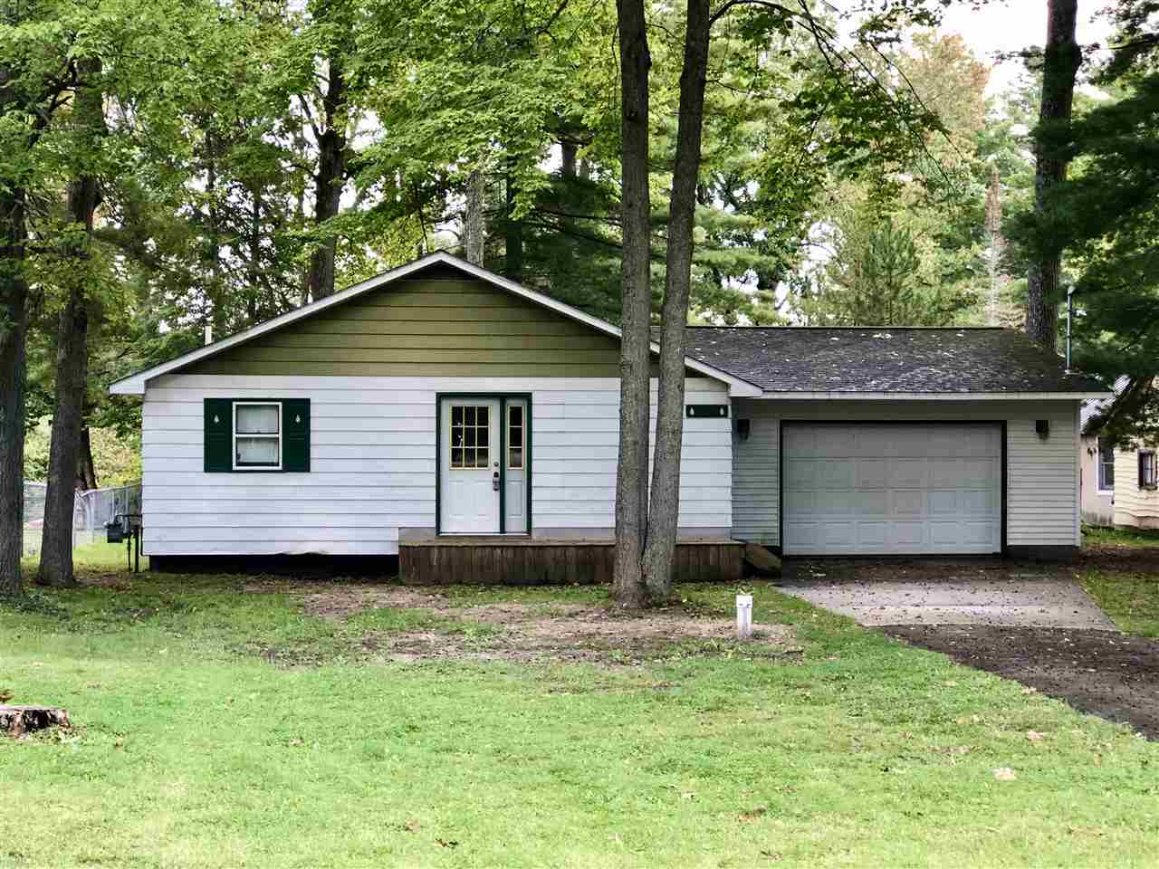 2010 N Markey Rd, Houghton Lake, MI 48629