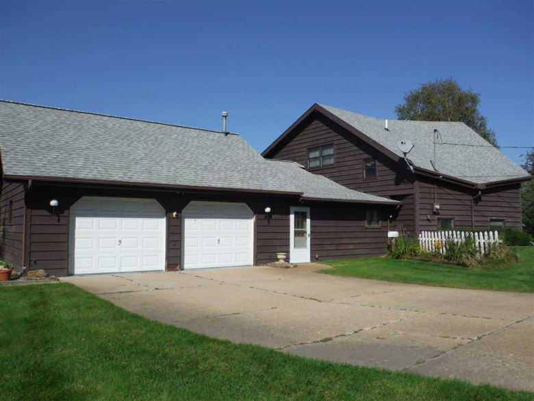 128 Baywood Ct, Prudenville, MI 48651