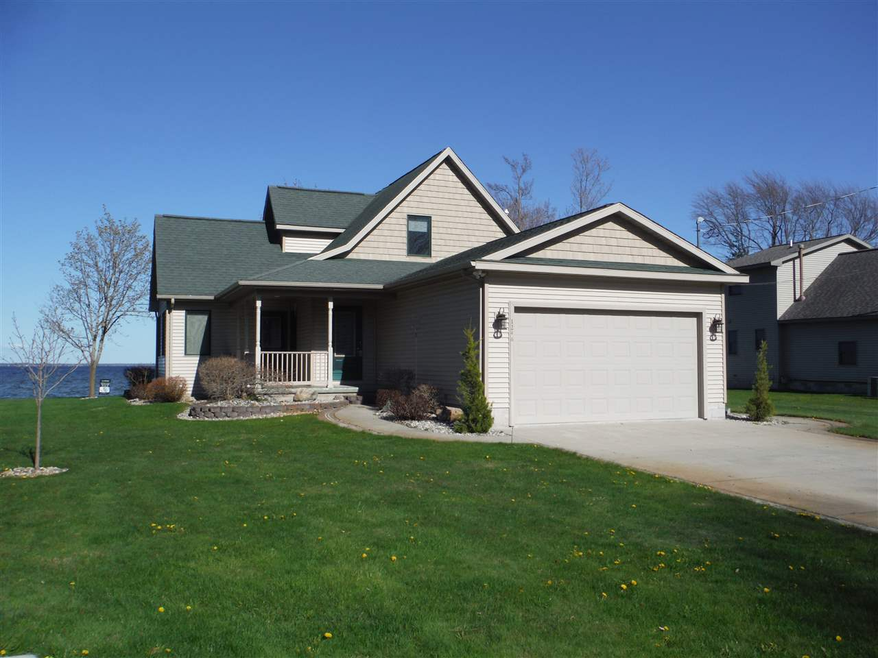 1246 Shoreline, Houghton Lake, MI 48629