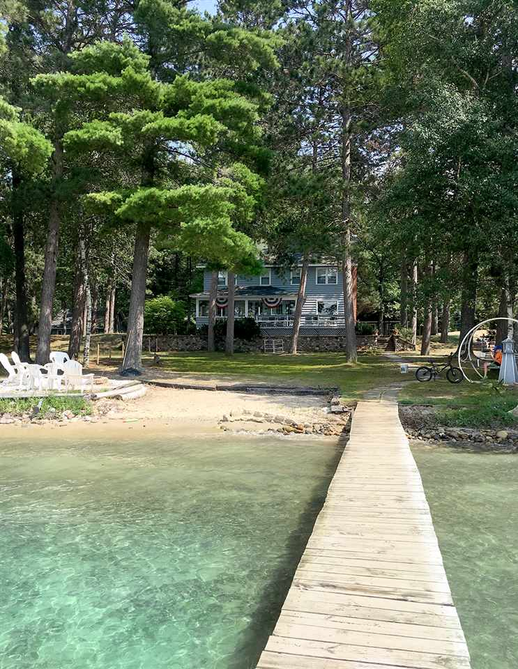 351 Chaney Point Dr, Roscommon, MI 48653