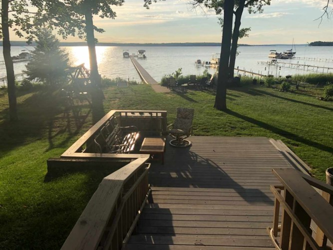 329 Chaney Point Dr, Roscommon, MI 48653