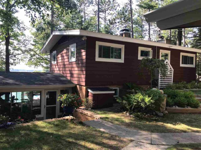 205 Chaney Point Dr, Roscommon, MI 48653