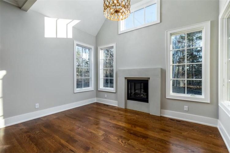 3905 W 85th Street, Prairie Village, KS 66206