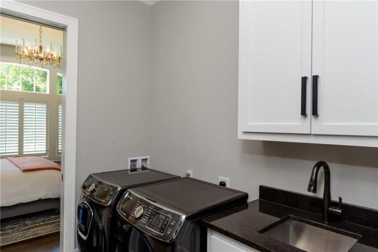 3901 W 85th Street, Leawood, KS 66206