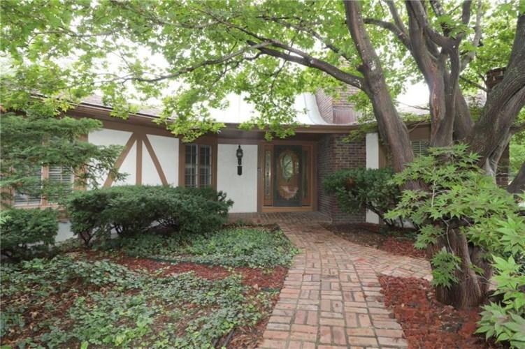 5606 NW Oakridge Court, Platte Woods, MO 64151