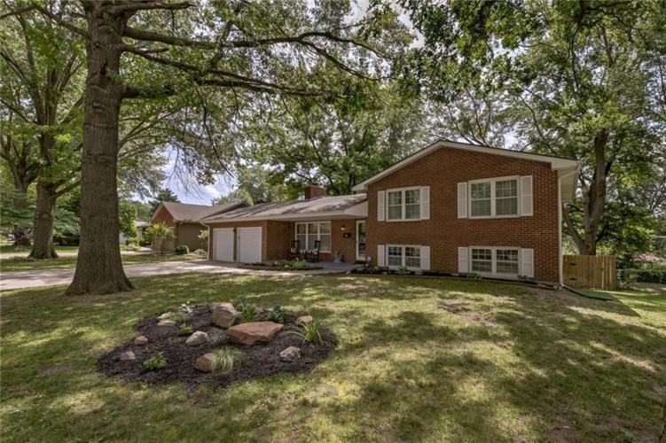605 Pierson Street, Excelsior Springs, MO 64024