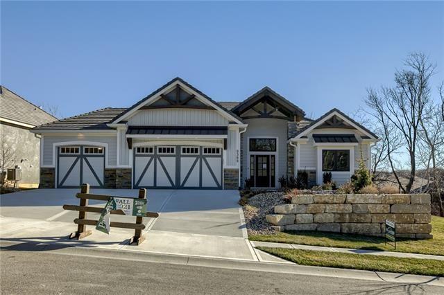 9389 Cottonwood Canyon Drive, Lenexa, KS 66219