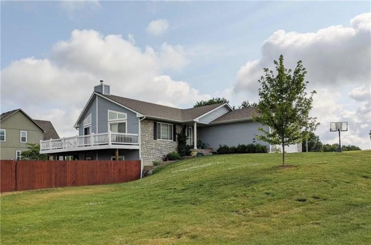 15110 Linden Court, Bonner Springs, KS 66012
