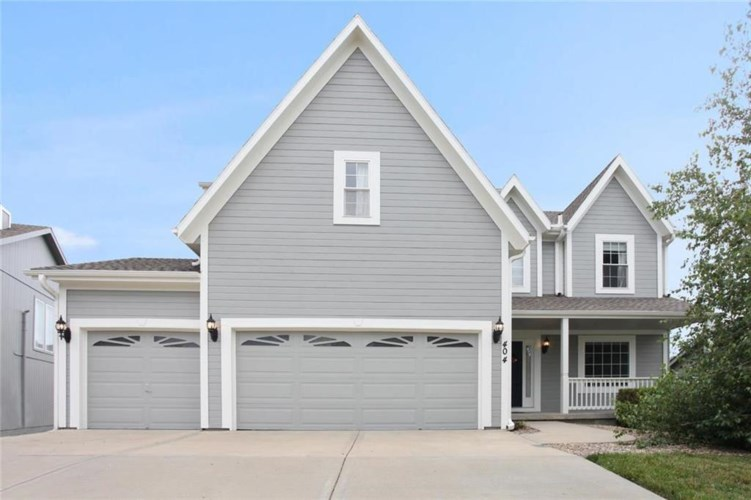 404 DONEGAL Drive, Smithville, MO 64089