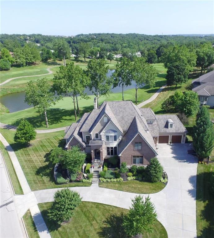 6420 N National Drive , Parkville, MO 64152