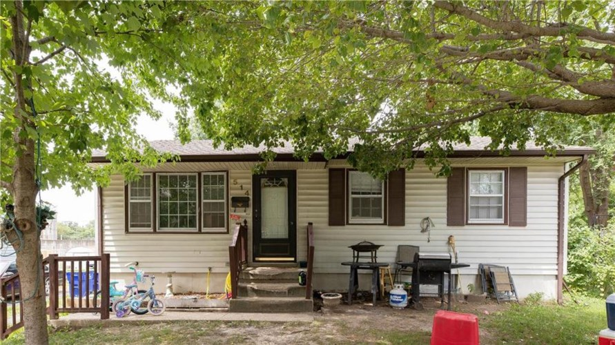 514 SW MISSION Road, Lee's Summit, MO 64063