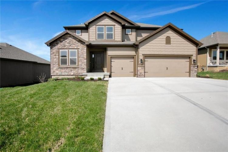 10829 N Corrington Avenue, Kansas City, MO 64156