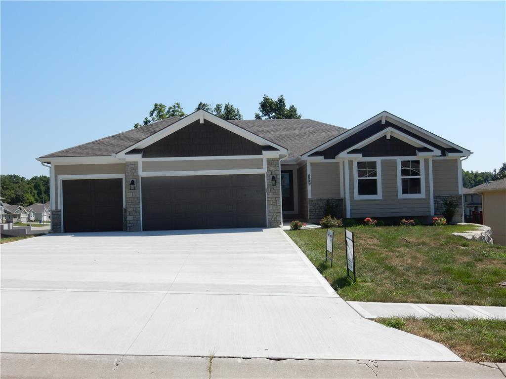 3018 S Hill Avenue , Blue Springs, MO 64015