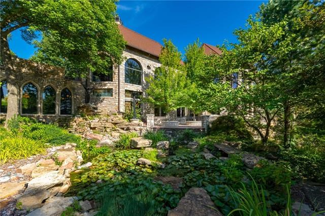 5225 Renner Road, Lake Quivira, KS 66217