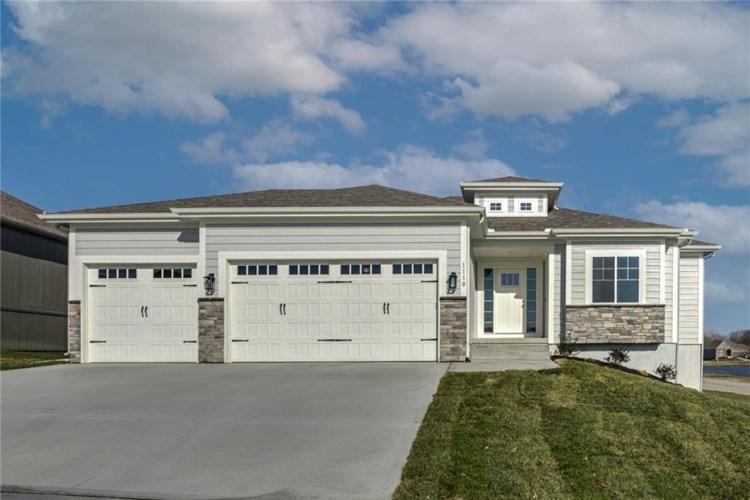 1110 SW Wild Plum Circle, Oak Grove, MO 64075