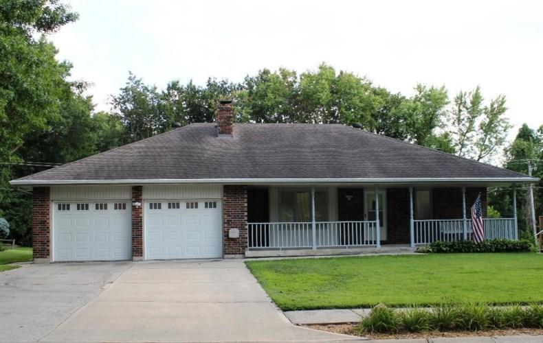 3620 NW Dogwood Drive, Blue Springs, MO 64015