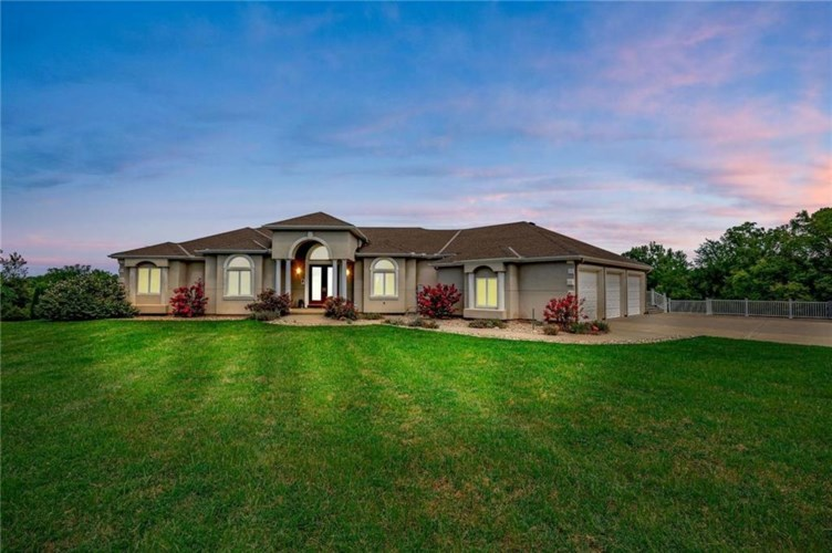 23900 E Blue Mills Road, Independence, MO 64058
