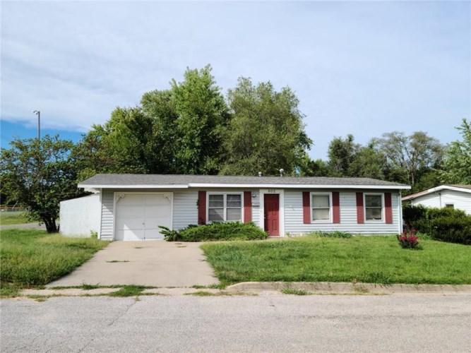 602 E McKissock Street, Knob Noster, MO 65336