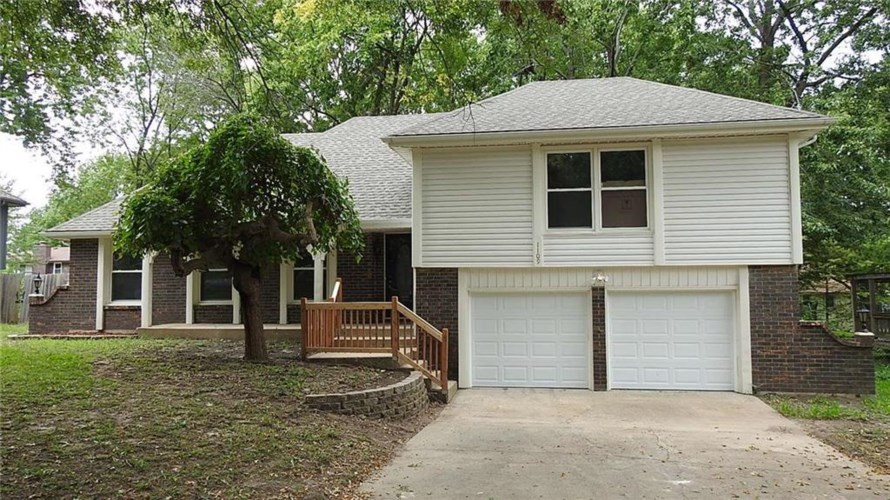 1109 SW 15th Street, Blue Springs, MO 64015