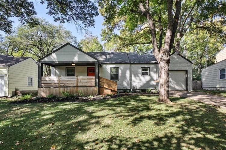 8812 Sioux Trail, Kansas City, MO 64131