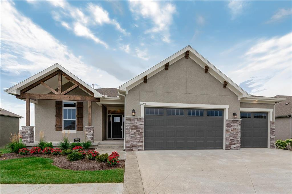 11253 S Red Bird Street , Olathe, KS 66061