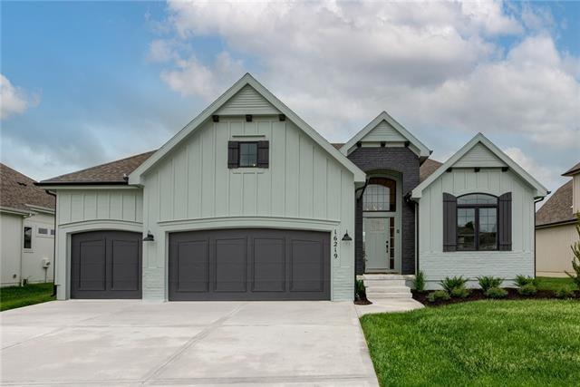 16219 W 165th Terrace, Olathe, KS 66062