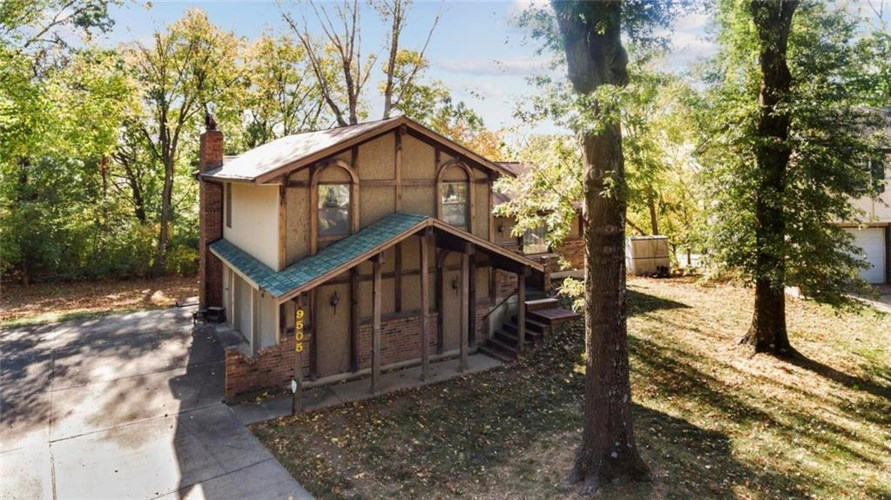 9505 NW 59th Terrace, Parkville, MO 64152