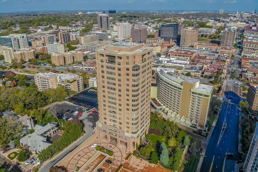 400 W 49th Terrace Unit 2146, Kansas City, MO 64112